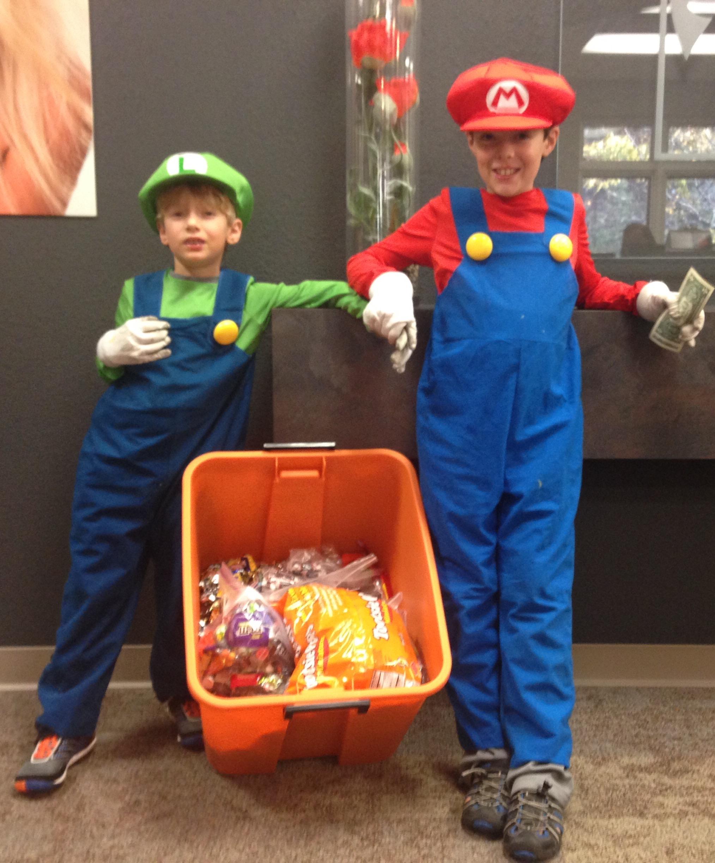 ohio dentist makes good with halloween sweets | toledo dentist news